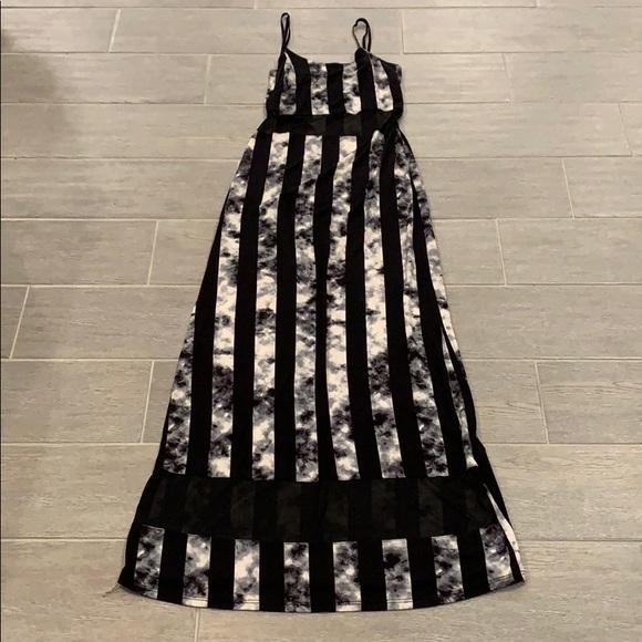 JuJu Dresses & Skirts - Juju & B striped maxi dress size medium